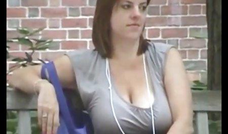 Agen perempuan yang tipis agent suka akan ditutupi dengan hangat filem bomep sperma