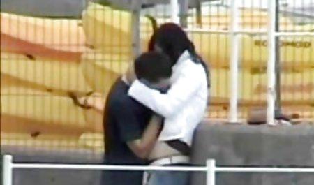 Toket kencang cewek seksi Vanessa Veracruz dan Vicki videobokepgratis chase